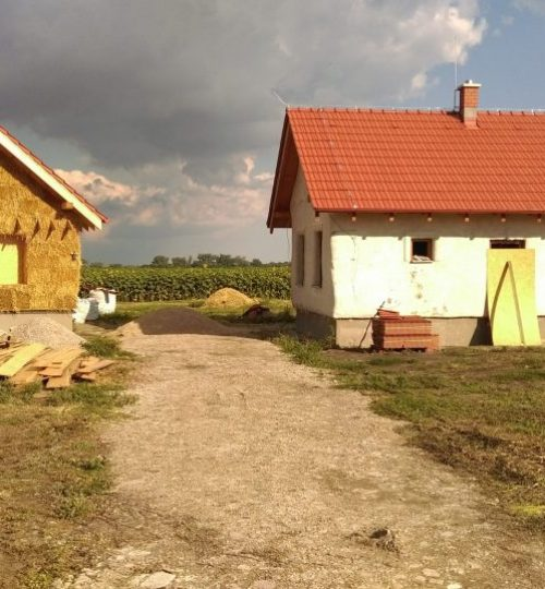 domy v strede pola